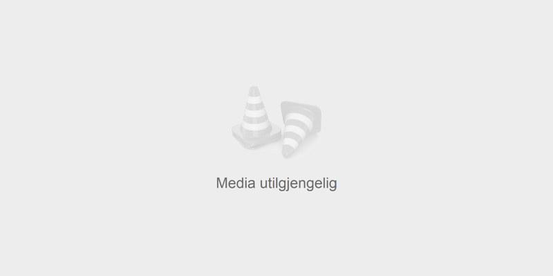 To personer blir intervjuet. Foto.