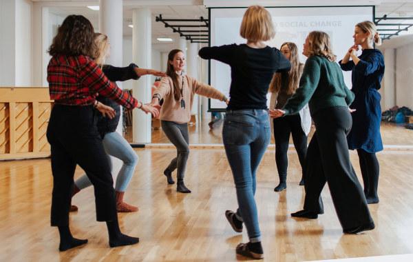 Students dancing. Photo